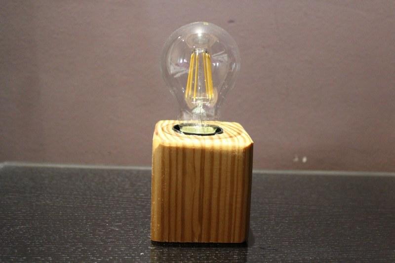 Φωτιστικό Επιτραπέζιο Με Λάμπα Ρούστικ Με Νήματα 7x7x7,5/15,50εκ. – OEM – lampa-roustic