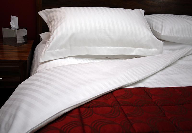 Παπλωματοθήκη 250×230εκ. 100% Βαμβακερή 240TC Με Ρίγα 2cm Cotton Luxury Line – OEM – 5201847002447